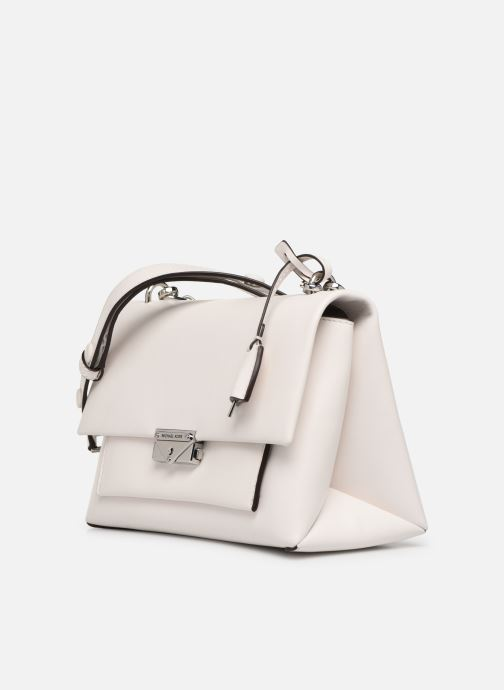 Sacs à main Michael Michael Kors CECE LG CHAIN SHOULDER Blanc vue portées chaussures