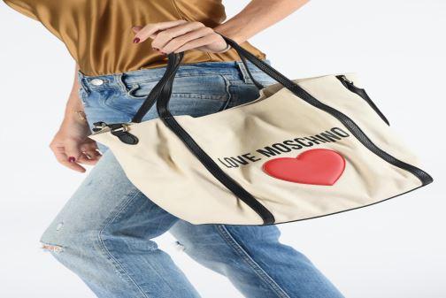 Bolsos de mano Love Moschino THE CANVAS HEARTS TOTE Blanco vista de abajo
