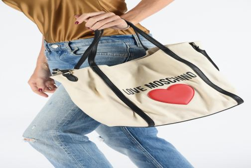 Sacs à main Love Moschino THE CANVAS HEARTS TOTE Blanc vue bas / vue portée sac