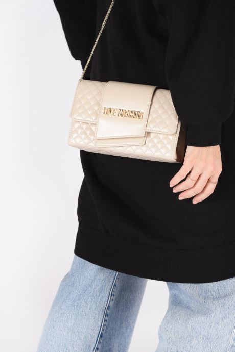 Handbags Love Moschino NEW SHINY QUILTED Beige view from underneath / model view