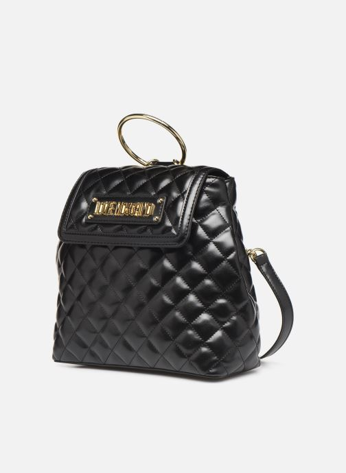 Sacs à dos Love Moschino NEW SHINY QUILTED BACKPACK Noir vue portées chaussures