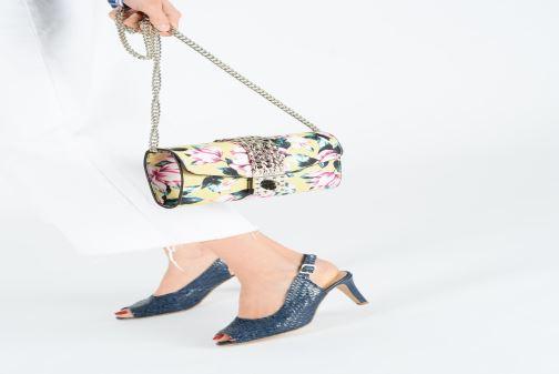 Handväskor Guess PRISMA CLUTCH Gul bild från ovan