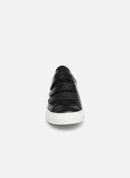 Baskets Schmoove Spark Free Nappa/Nappa Noir vue portées chaussures