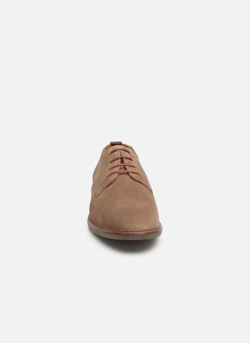 Chaussures à lacets Schmoove Pilot New Derby Beige vue portées chaussures