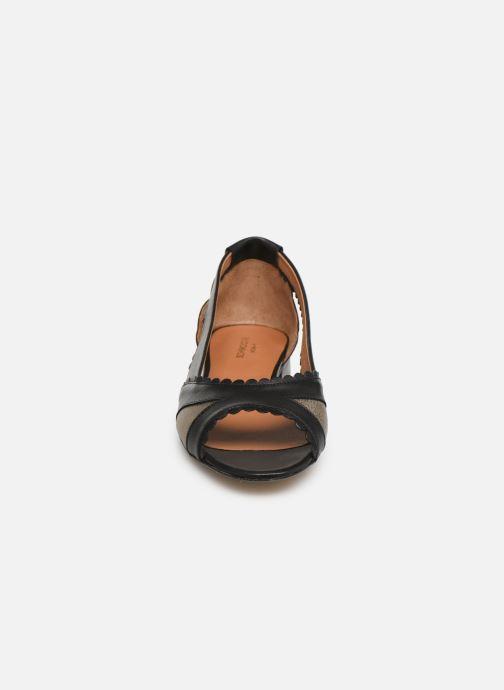 Ballerines Schmoove Woman Retro Pump Noir vue portées chaussures