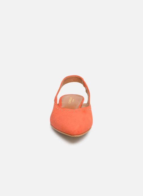 Ballerine Schmoove Woman Eva Pump Arancione modello indossato