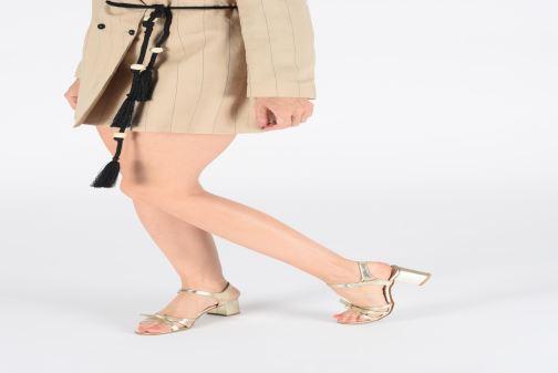 Sandales et nu-pieds Georgia Rose Linedia Noir vue bas / vue portée sac