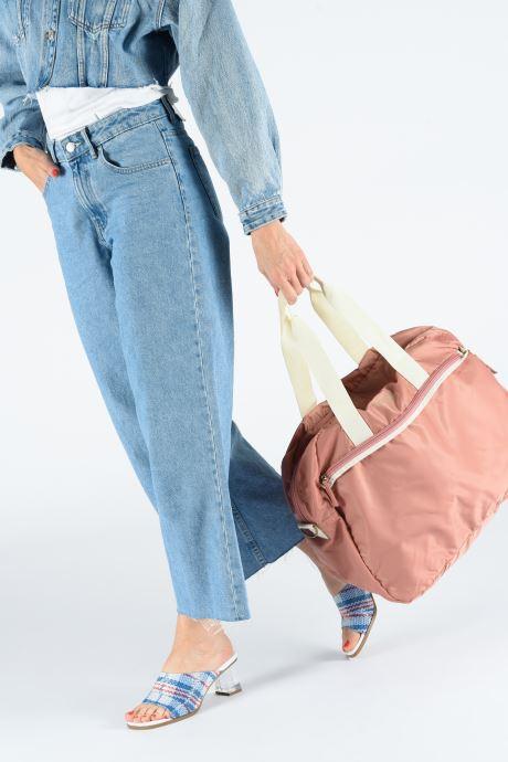 Sporttaschen Bensimon TOURBAG COLOR LINE rosa ansicht von unten / tasche getragen