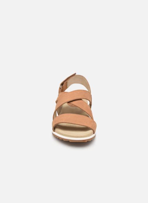 Sandales et nu-pieds Aigle Cayali Beige vue portées chaussures
