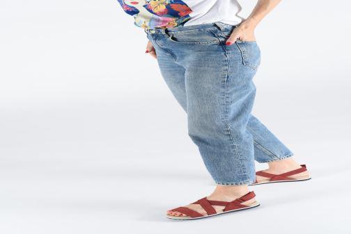 Sandales et nu-pieds Aigle Cayali Rouge vue bas / vue portée sac