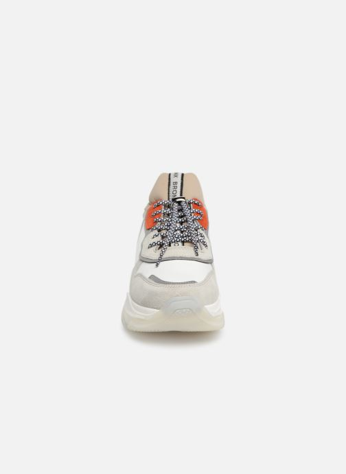 Baskets Bronx 66167 Blanc vue portées chaussures