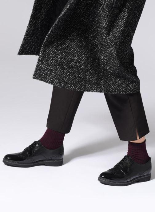 Schnürschuhe Tamaris 23711 schwarz ansicht von unten / tasche getragen