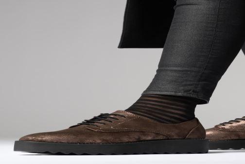Chaussures à lacets Tamaris 23734 Marron vue bas / vue portée sac