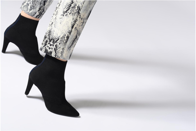 Bottines et boots Tamaris 25094 Noir vue bas / vue portée sac