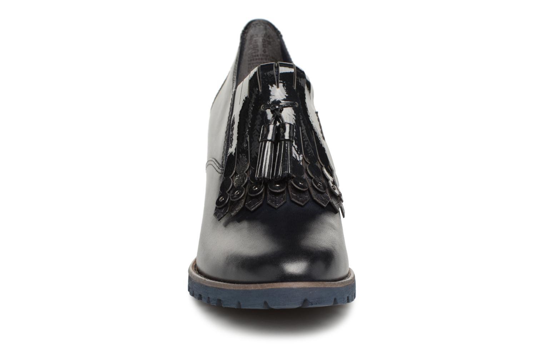 Bottines et boots Tamaris 24410 Bleu vue portées chaussures