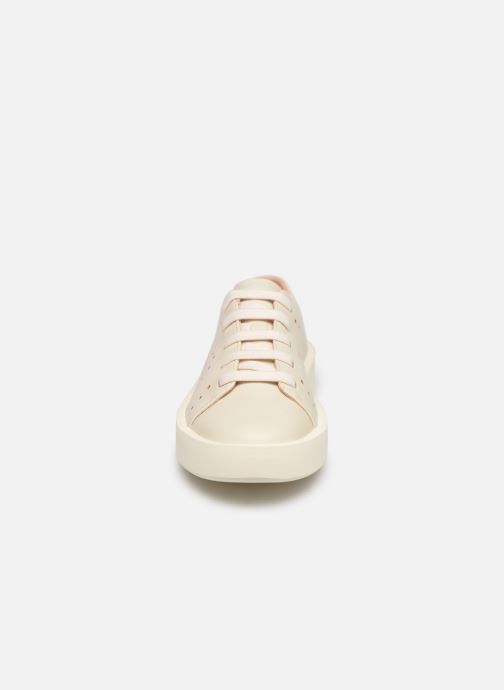 Sneakers Camper Courb W Bianco modello indossato