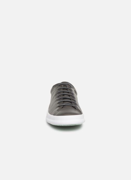 Sneakers Camper Chasis Sport Svart bild av skorna på