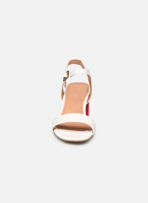 Sandales et nu-pieds Chattawak LYS Blanc vue portées chaussures