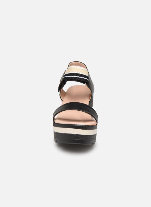 Sandalen Chattawak PAVOT schwarz schuhe getragen