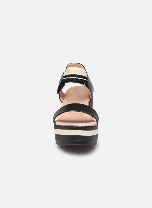 Sandali e scarpe aperte Chattawak PAVOT Nero modello indossato