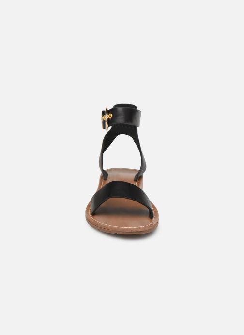 Sandali e scarpe aperte Chattawak SABINE Nero modello indossato