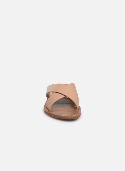 Mules et sabots Chattawak STELLA Beige vue portées chaussures