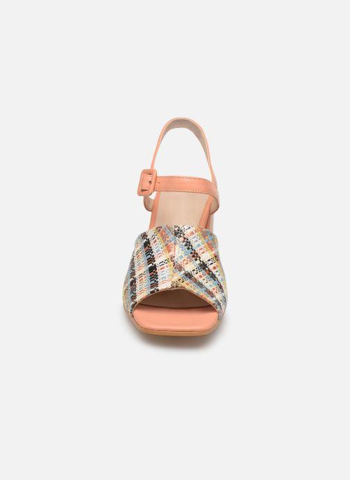 Sandali e scarpe aperte About Arianne Rita Multicolore modello indossato