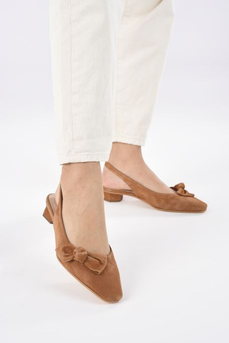 Sandales et nu-pieds About Arianne Galo Bow Marron vue bas / vue portée sac