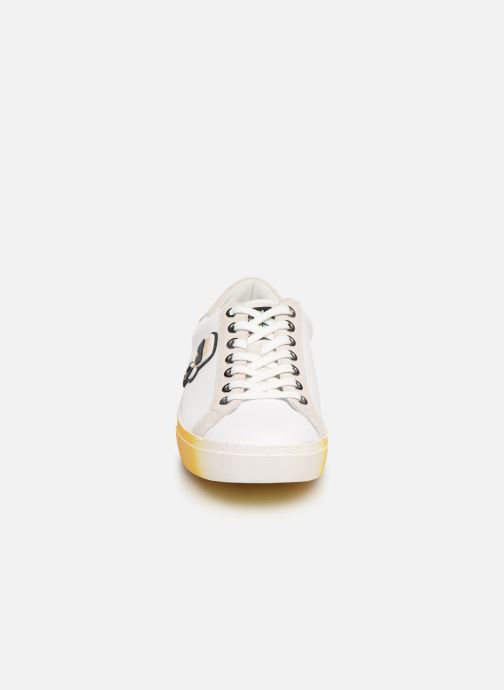 Baskets KARL LAGERFELD Skool II Karlifornia Ikon Lace Blanc vue portées chaussures