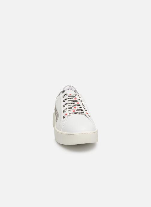 Baskets Love Moschino Studs Sneaker Blanc vue portées chaussures