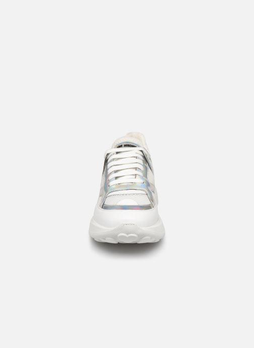Baskets Love Moschino New Running Blanc vue portées chaussures
