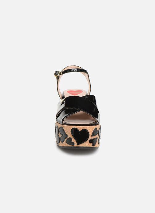 Sandalias Love Moschino Heart Patchwork Sandal Negro vista del modelo