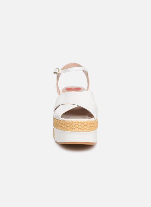 Sandales et nu-pieds Love Moschino Feminine Studs Sandal Blanc vue portées chaussures