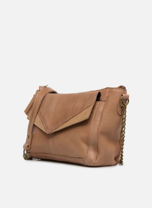 Sacs à main Pieces BETH LEATHER SMALL CROSSBODY Marron vue portées chaussures