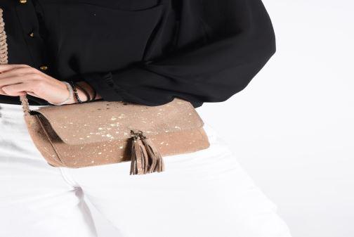 Sacs à main Pieces BRANDY SUEDE CROSSBODY Or et bronze vue bas / vue portée sac