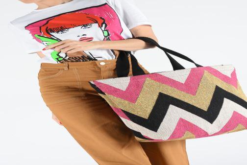 Handtaschen Pieces SAVANNAH SHOPPER rosa ansicht von unten / tasche getragen