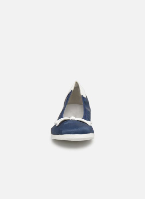 Ballerines Les P'tites Bombes EDEN Bleu vue portées chaussures