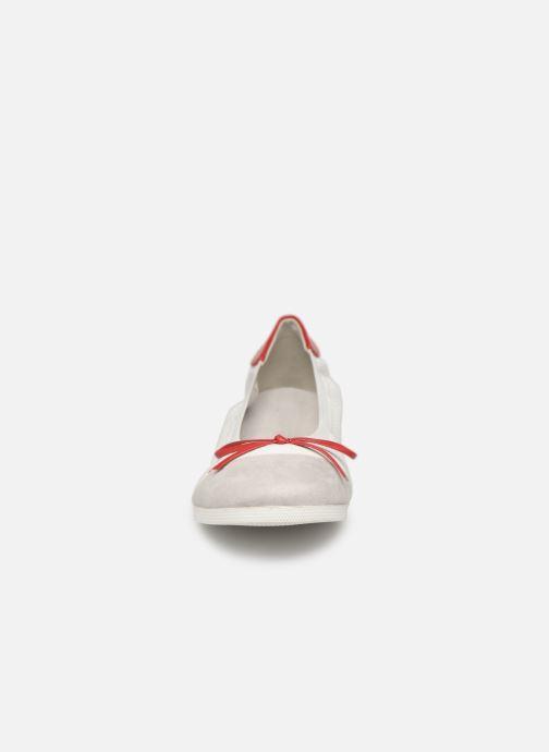 Ballerines Les P'tites Bombes ELOISE Rouge vue portées chaussures