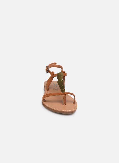 Sandales et nu-pieds Les P'tites Bombes PEPITA Marron vue portées chaussures