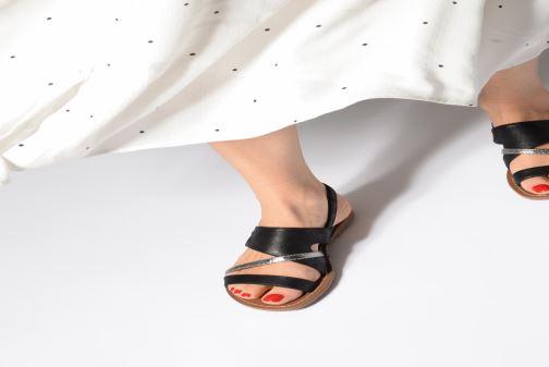Sandales et nu-pieds Les P'tites Bombes PHIBBY Jaune vue bas / vue portée sac