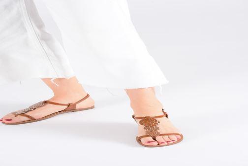 Sandales et nu-pieds Les P'tites Bombes PIPA Marron vue bas / vue portée sac