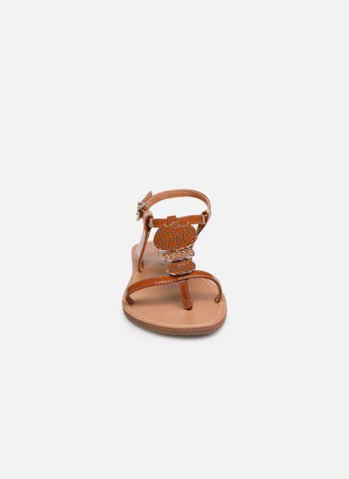 Sandales et nu-pieds Les P'tites Bombes PIPA Marron vue portées chaussures