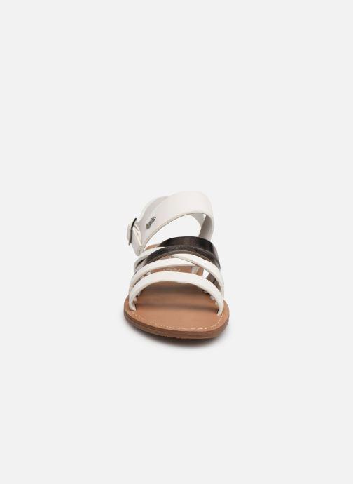Sandali e scarpe aperte Les P'tites Bombes RACHEL Bianco modello indossato