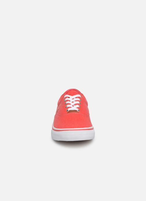 Baskets Polo Ralph Lauren Thorton Sneaker -Vulc - Washed Twill Rouge vue portées chaussures