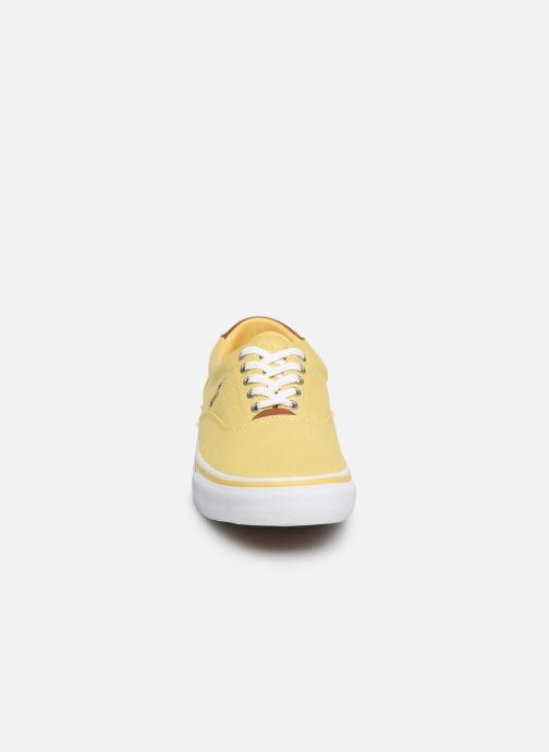 Baskets Polo Ralph Lauren Thorton Sneaker -Vulc - Washed Twill Jaune vue portées chaussures