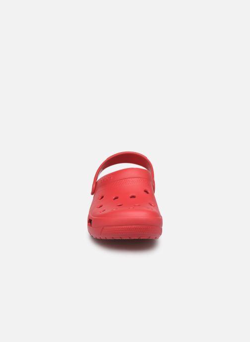 Sandales et nu-pieds Crocs Crocs Coast Clog Rouge vue portées chaussures