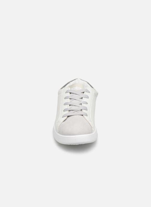 Baskets Les P'tites Bombes ABIGAEL Blanc vue portées chaussures