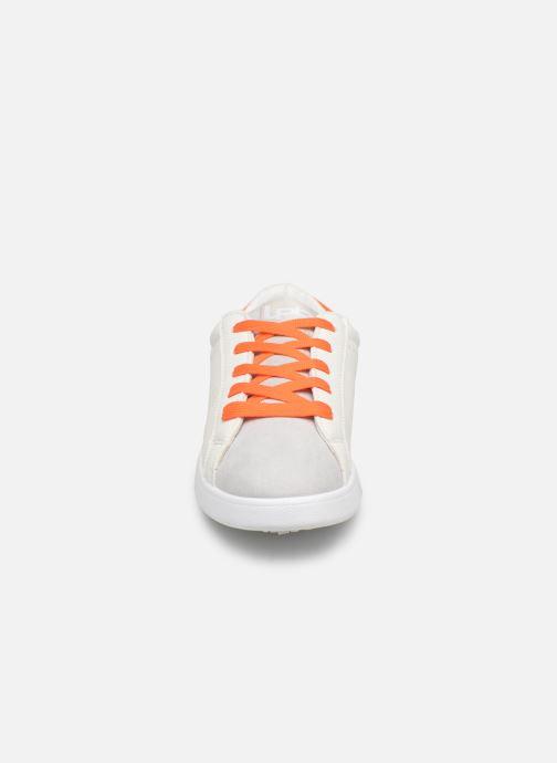 Sneaker Les P'tites Bombes ABIGAEL weiß schuhe getragen