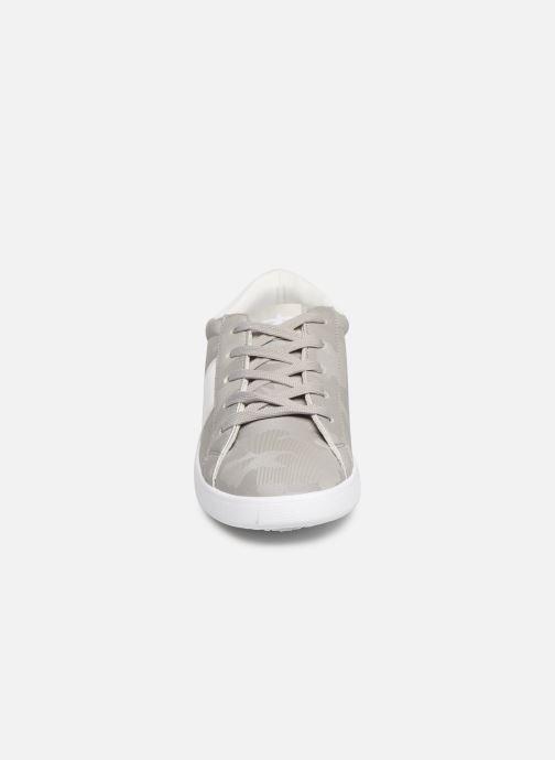 Sneaker Les P'tites Bombes ADELE grau schuhe getragen