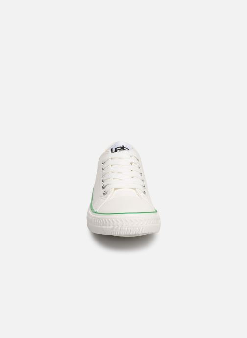 Trainers Les P'tites Bombes ANGY White model view